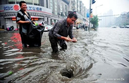 Chiny - Powódź w prowincji Liaoning