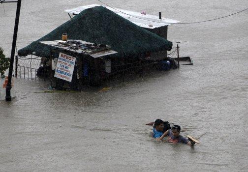 Filipiny - Manila sparaliżowana przez monsunowe opady 2