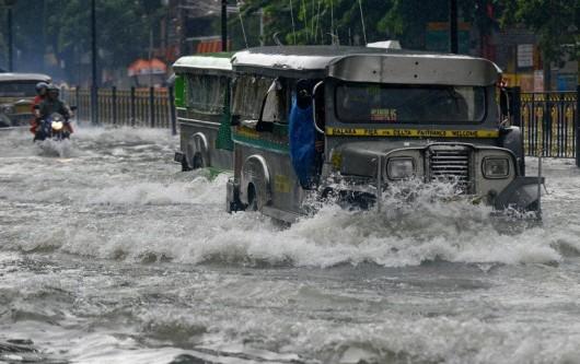 Filipiny - Manila sparaliżowana przez monsunowe opady 3
