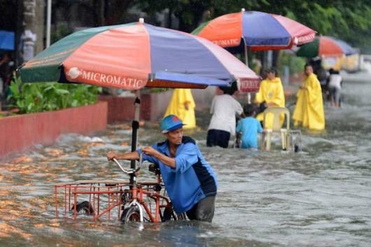 Filipiny - Manila sparaliżowana przez monsunowe opady 5