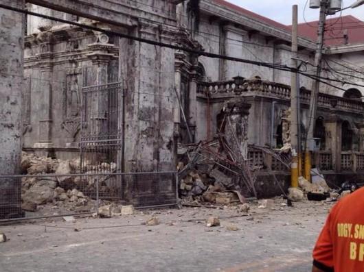 Filipiny - Trzęsienie ziemi 10