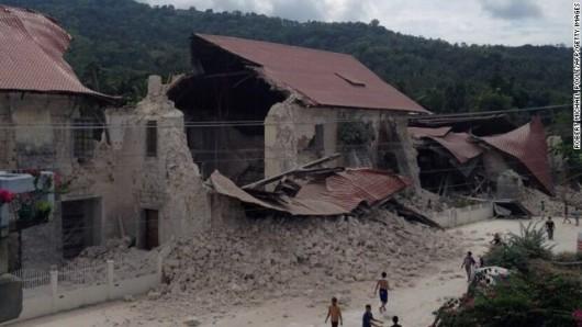 Filipiny - Trzęsienie ziemi 11