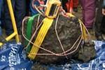 Rosja - Z jeziora Czebarku wyciągnęli wielki fragment meteorytu z Czelabińska, waży 570 kg