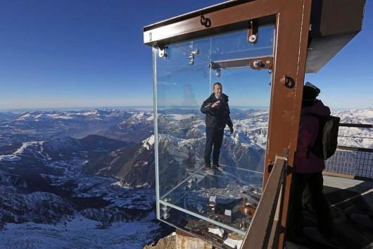 Francja - Szklana kabina z widokiem na Mont Blanc 2