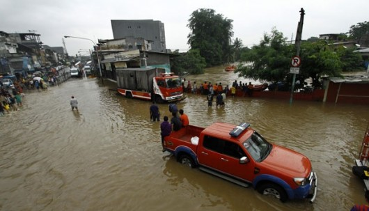 Indonezja - Dziesiątki miejscowości w Dżakarcie zostały zalane i podtopione po wyjątkowo obfitych opadach 3