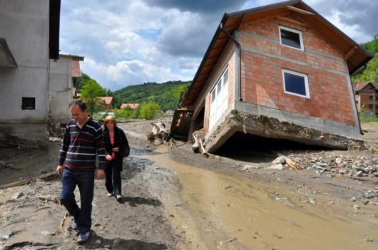 Krupanj w Serbii po przejściu powodzi