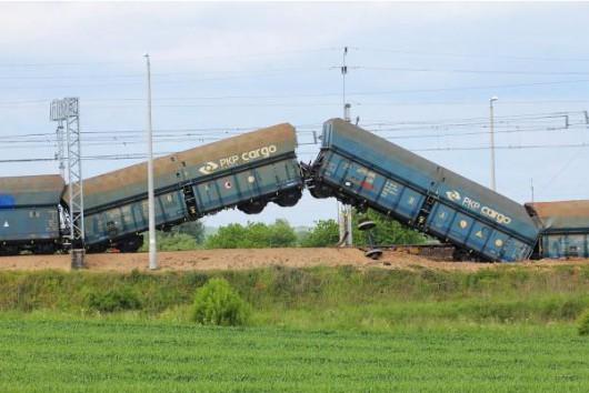 Polska - Wykoleił się pociąg towarowy 3