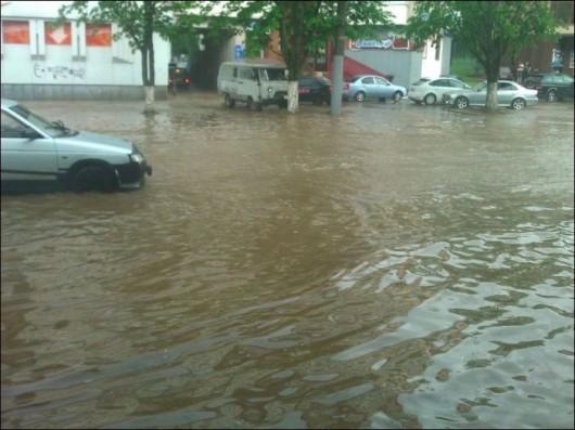 Rosja - Ulewny deszcz w Smoleńsku 3