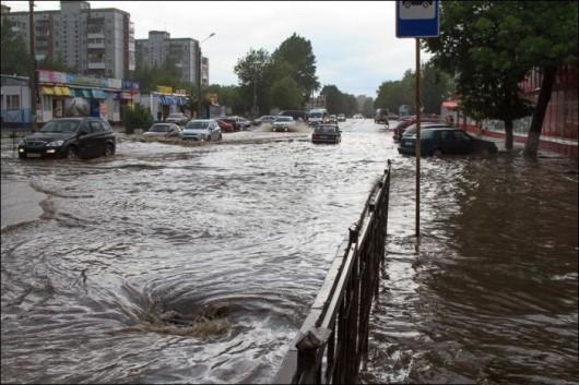 Rosja - Ulewny deszcz w Smoleńsku 5