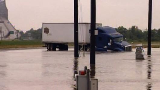 USA - Meteorolodzy ostrzegają mieszkańców Missisipi i Luizjany przed gwałtownymi burzami i ulewami