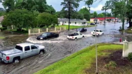 USA - Ulewny deszcz w Luizjanie 2