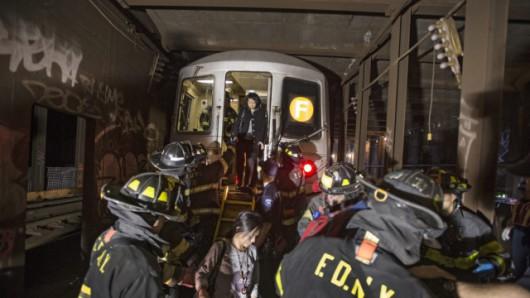 USA - W Queens wykoleiło się metro 5