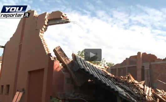Włochy - Tornado w Modenie wirowało między biurowcami