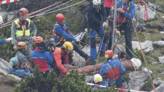Niemcy - Po 12 dniach wydobyto z jaskini Riesending speleologa, w akcji brało udział łącznie 728 osób z pięciu krajów