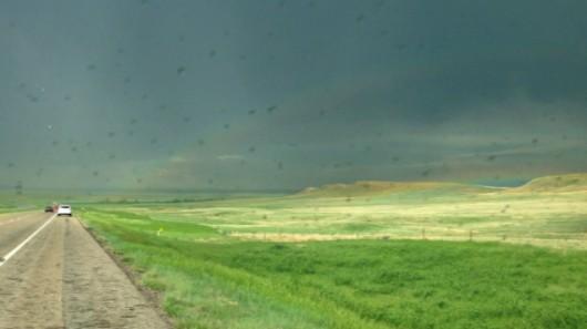 USA, Dakota - Piorun uderzył w samochód łowcy burz