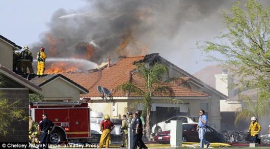 USA - Myśliwiec Harrier AV-8B należący do marynarki wojennej spadł na dom w miasteczku Imperial w Kalifornii 1