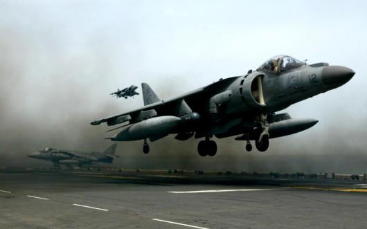 USA - Myśliwiec Harrier AV-8B należący do marynarki wojennej spadł na dom w miasteczku Imperial w Kalifornii 3