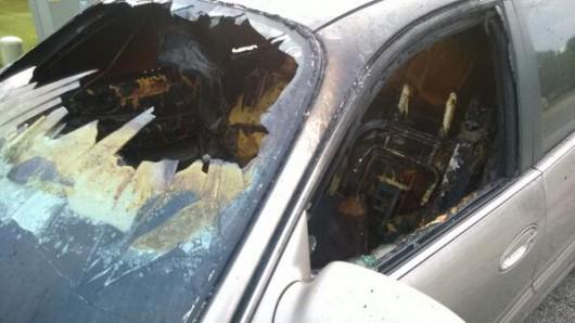 USA - Piorun uderzył w samochód, wnętrze zostało spalone 2