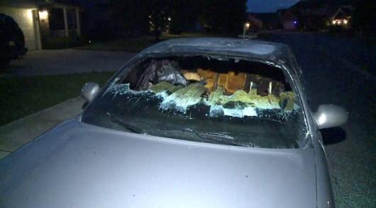 USA - Piorun uderzył w samochód, wnętrze zostało spalone
