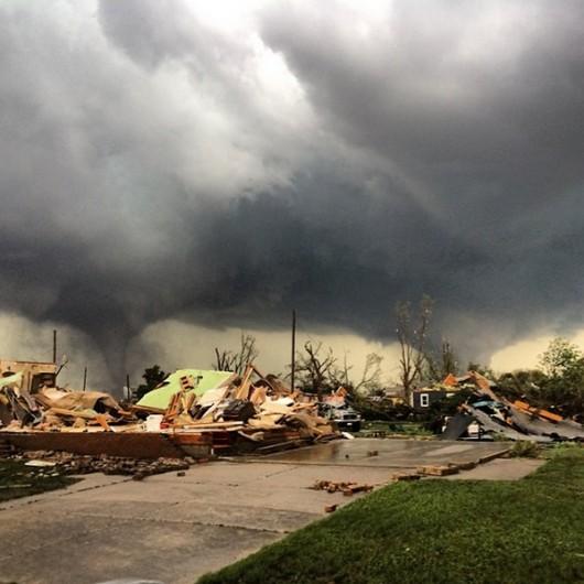 USA - Zniszczenia w Pilger po tornadach 2