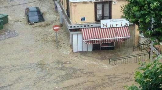 Hiszpania - Powódź po ulewnych deszczach 4