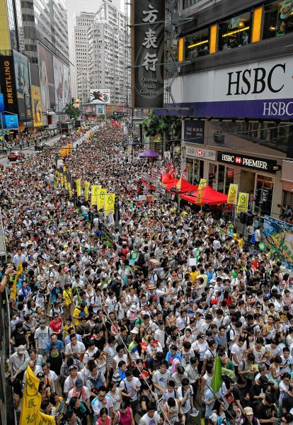 HongKong, Chiny - W największym prodemokratycznym proteście wzięło udział ponad pół miliona osób