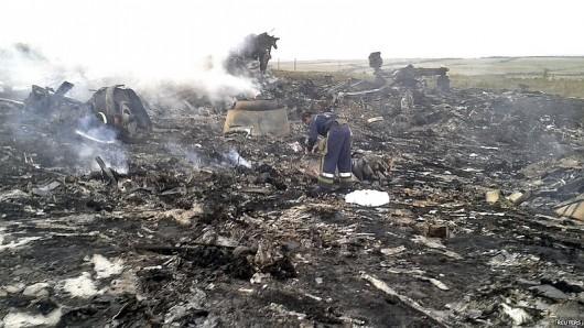 Nad Ukrainą rozbił się Boeing 777 malezyjskich linii lotniczych 4