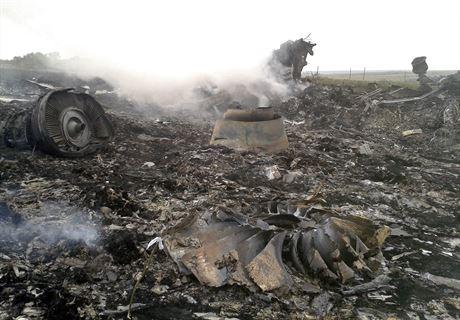 Nad Ukrainą rozbił się Boeing 777 malezyjskich linii lotniczych z 295 osobami na pokładzie