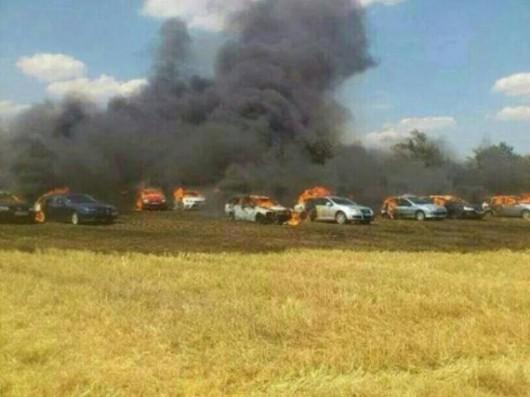 Słowacja - W miejscowości Sladkovicovo spłonęło 40 samochodów na parkingu, winne upały 1