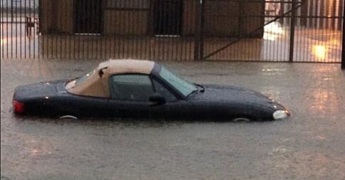 USA - Błyskawiczne powodzie w Teksasie 1