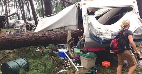 USA - Tornado zniszczyło pole kempingowe, dwie osoby zginęły, 27 rannych 3