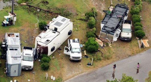 USA - Tornado zniszczyło pole kempingowe, dwie osoby zginęły, 27 rannych 4