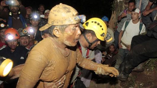 Bonanza, Nikaragua - Osuwisko ziemi uwięziło 24 górników w kopalni złota i srebra 800 metrów pod ziemią 1