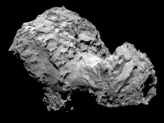 Kometa 67P/Czuriumow-Gierasimienko sfotografowana przez sondę Rosetta 3 sierpnia