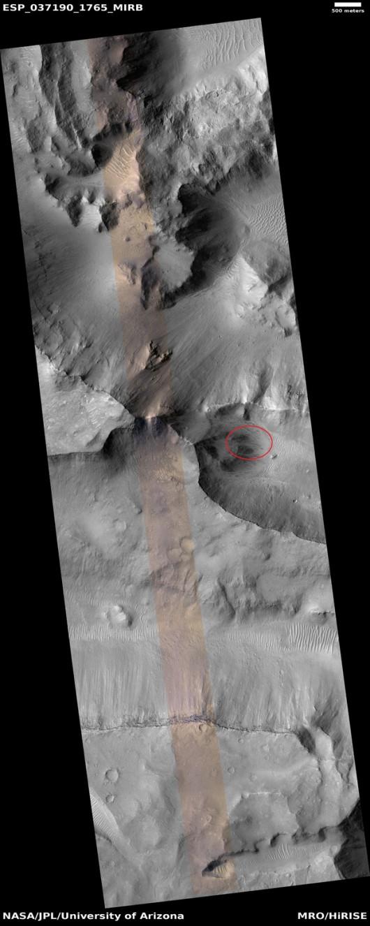 Miejsce, gdzie stoczył się kamień zaznaczono na czerwono