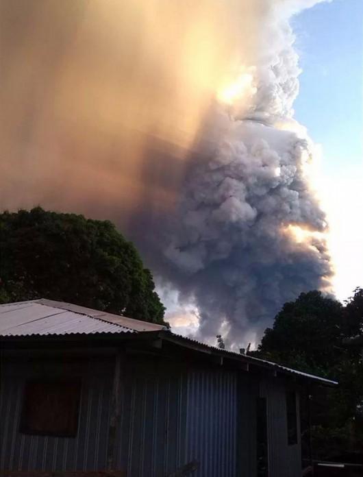 Papua-Nowa Gwinea - Potężna erupcja wulkanu Tavurvur 4