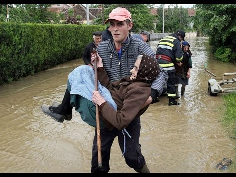 Serbia, Bośnia i Hercegowina - Fala powodziowa na Bałkanach zniszczyła domy, drogi, spowodowała osuwiska ziemi 1