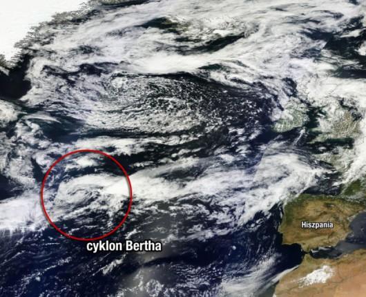 Zdjęcie satelitarne cyklonu tropikalnego Bertha z dnia 6 sierpnia