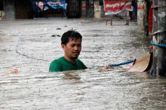 Chiny - Tajfun Fung-Wong przyniósł opady rzędu 161 l na mkw 4
