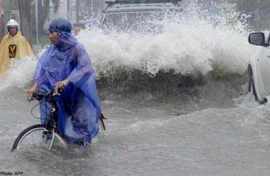 Chiny - Tajfun Fung-Wong przyniósł opady rzędu 161 l na mkw 5