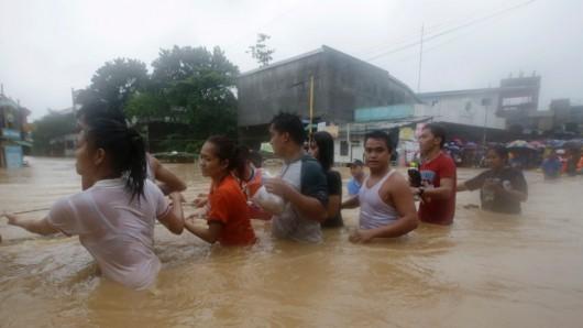 Filipiny - W ciągu 6 godzin spadła norma z połowy miesiąca 2