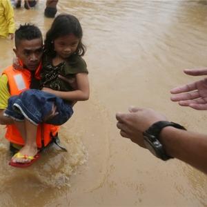 Filipiny - W ciągu 6 godzin spadła norma z połowy miesiąca 7