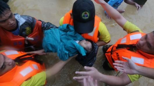 Filipiny - W ciągu 6 godzin spadła norma z połowy miesiąca 8