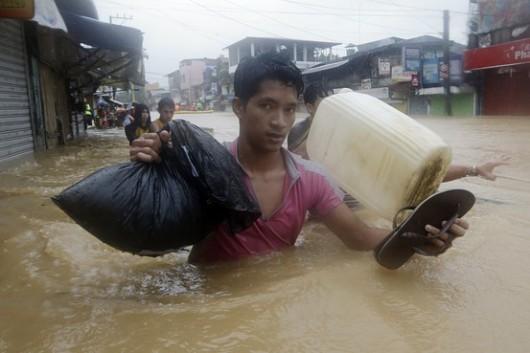 Filipiny - W ciągu 6 godzin spadła norma z połowy miesiąca 9