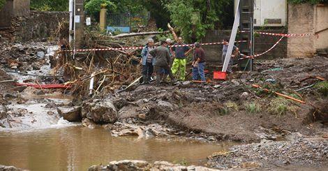 Francja - Ogromne ulewy na południu kraju spowodowały gwałtowne powodzie 10