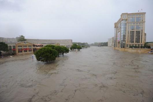 Francja - Ogromne ulewy na południu kraju spowodowały gwałtowne powodzie 4