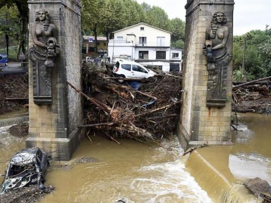 Francja - Potężna burza przeszła przez południe kraju 1