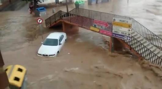 Hiszpania - W godzinę spadło 66 l na mkw, największe szkody w rejonie Murcji 1