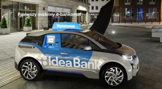 Mobilny bankomat foto: bankier.pl