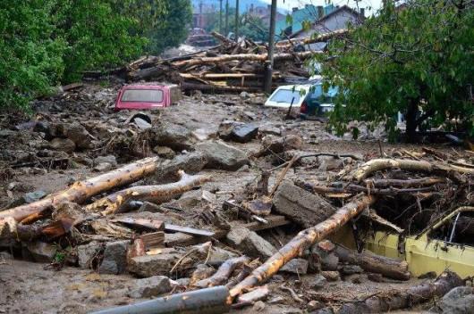 Serbia - Powódź na wschodzie kraju, samochody pływały w błocie 2
